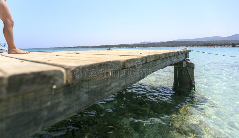Houten pijler op de Middellandse Zee royalty-vrije stock afbeeldingen