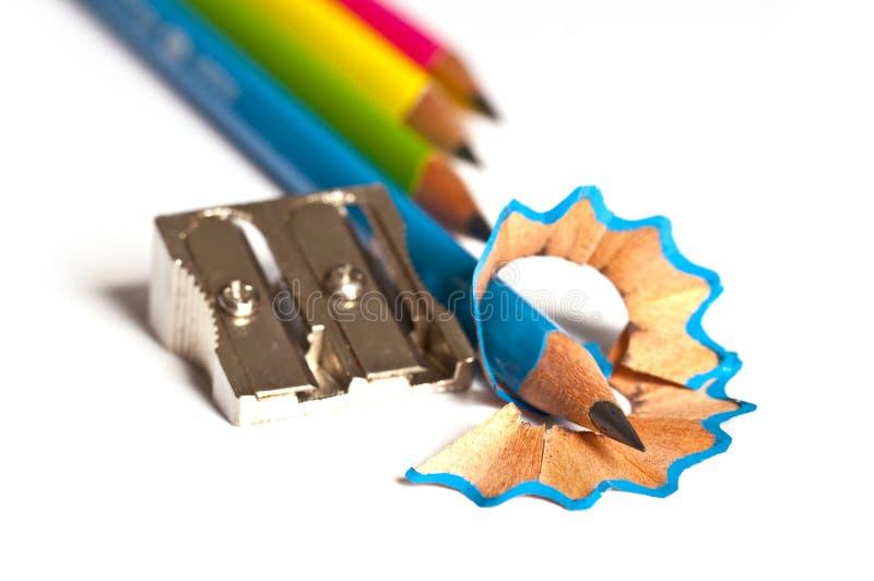 Houten potloden en scherper stock fotografie