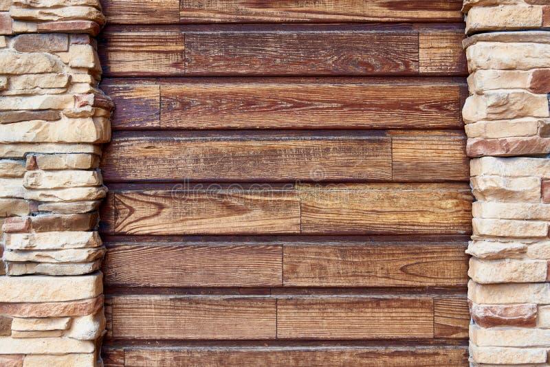 Houten raad met het ontwerpen van bakstenen muur De ruimte van het exemplaar stock afbeelding