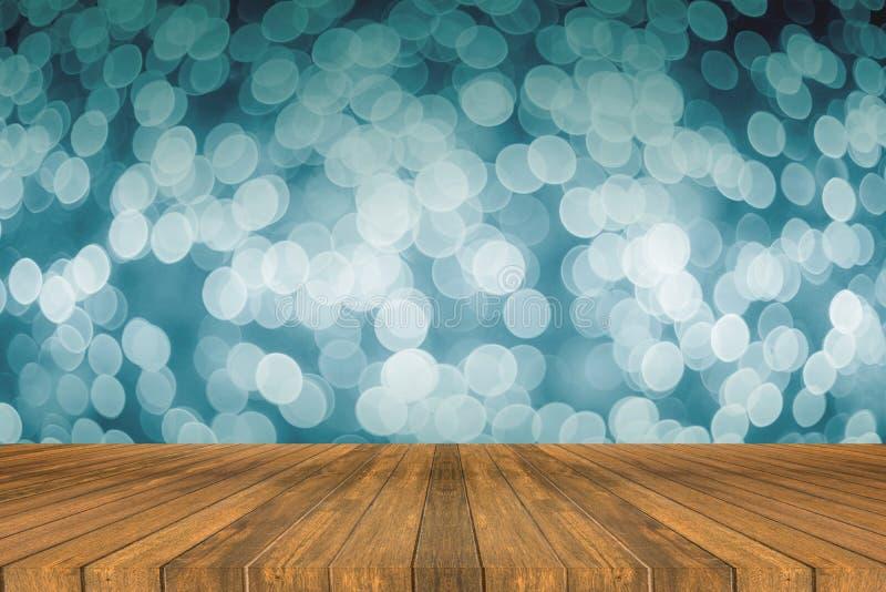 Houten raads lege lijst voor licht uit nadruk vage achtergrond om uw producten voor te stellen Spot omhoog uw producten stock foto's