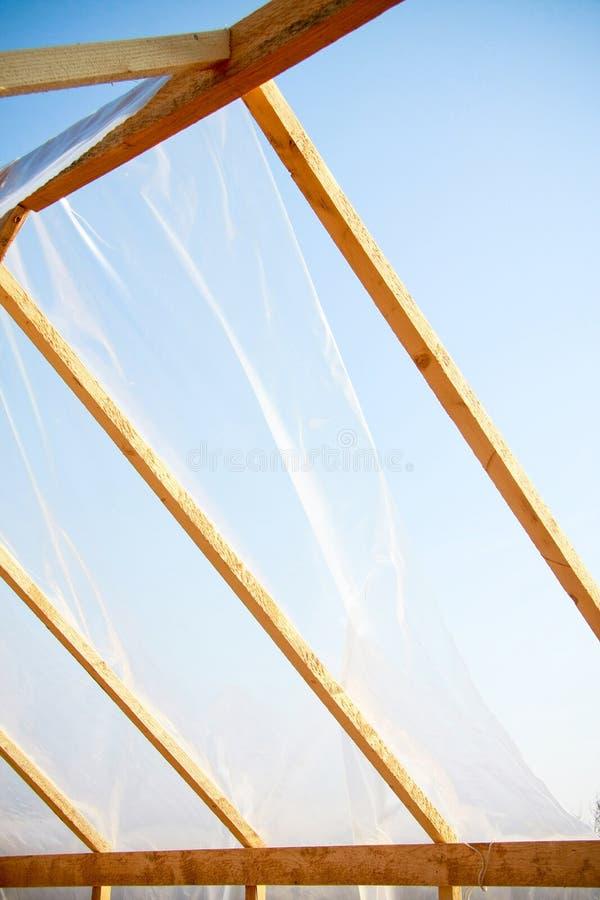 Houten serre die met polyethyleen wordt behandeld royalty-vrije stock afbeelding