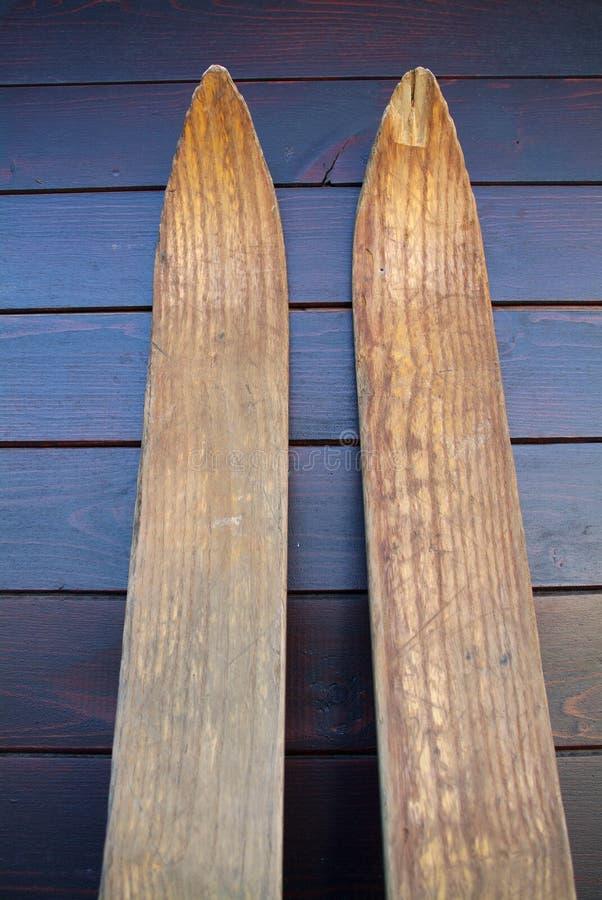 Houten Skis royalty-vrije stock afbeeldingen
