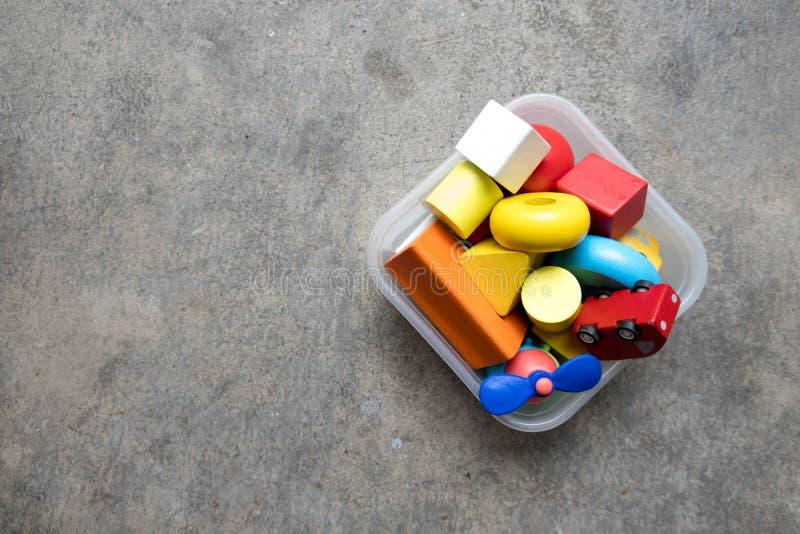 Houten stapelstuk speelgoed royalty-vrije stock afbeeldingen