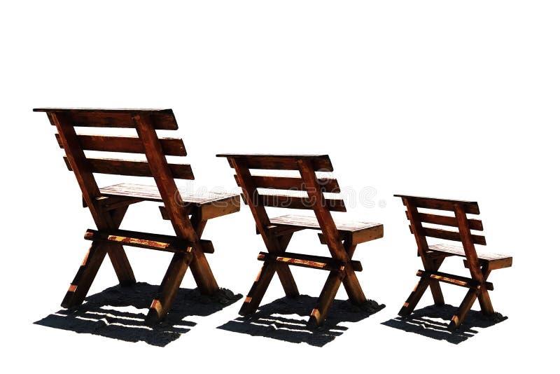 3 houten Stoelen die op witte achtergrond worden geïsoleerd stock fotografie