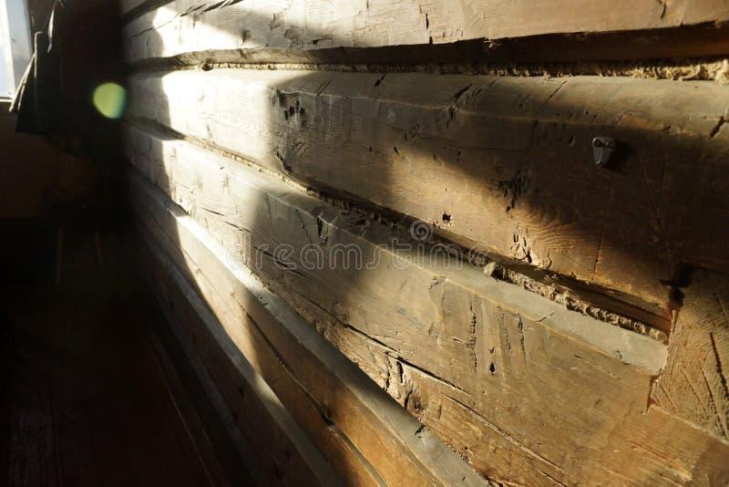Houten Straal Oud huis een muur van een bar een fragment royalty-vrije stock foto