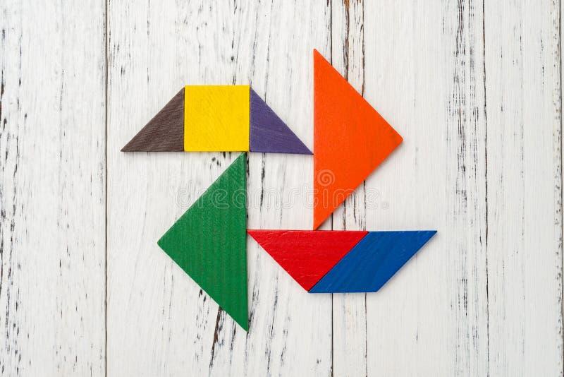 Download Houten Tangram In Vuurradvorm Stock Afbeelding - Afbeelding bestaande uit samenvatting, learning: 107706507