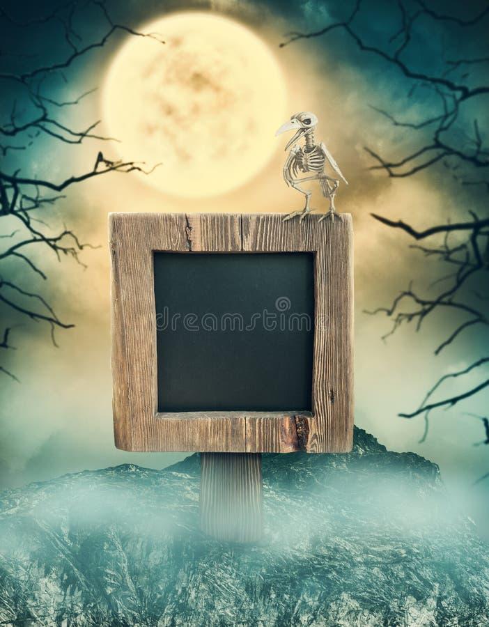 Houten teken in donker landschap met griezelige maan Halloween-ontwerp vector illustratie