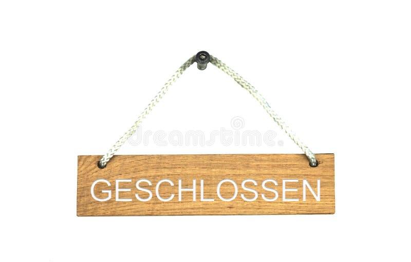 Houten teken met kabel: Het gesloten Duits stock afbeelding