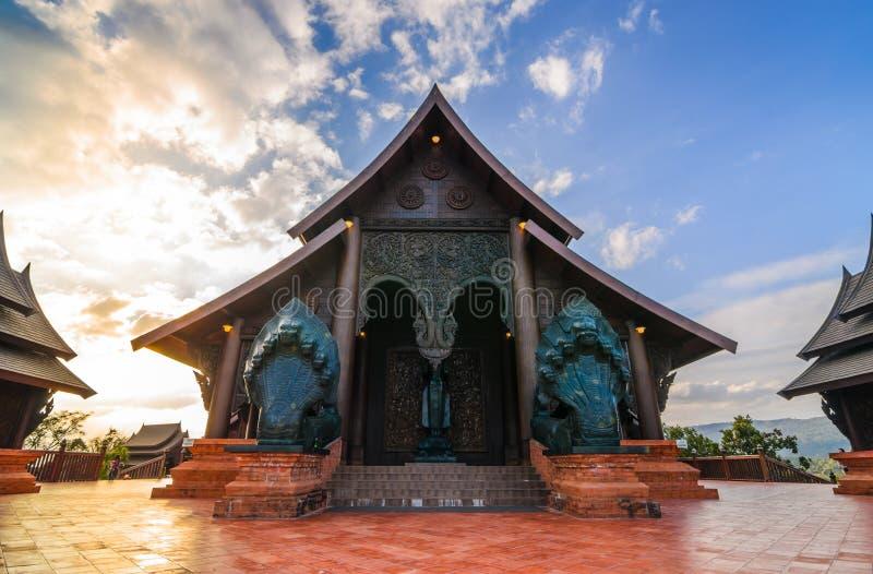 Houten tempel royalty-vrije stock afbeeldingen