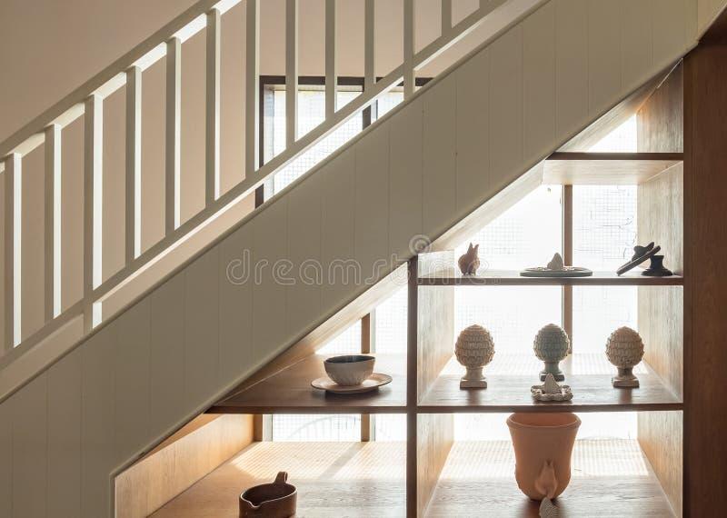 Houten trap en planken stock afbeelding