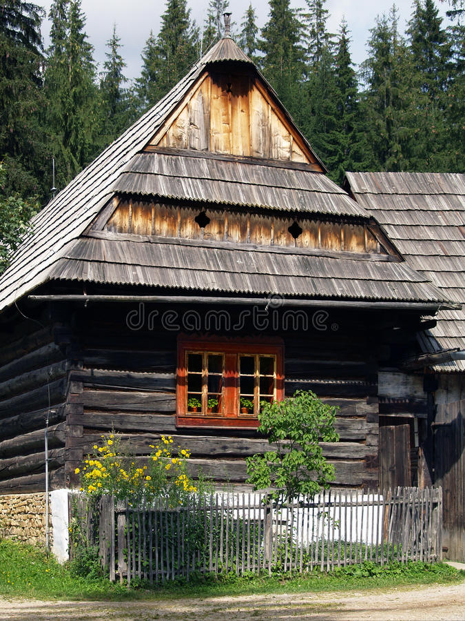 Houten volkshuis in Zuberec-museum royalty-vrije stock afbeelding