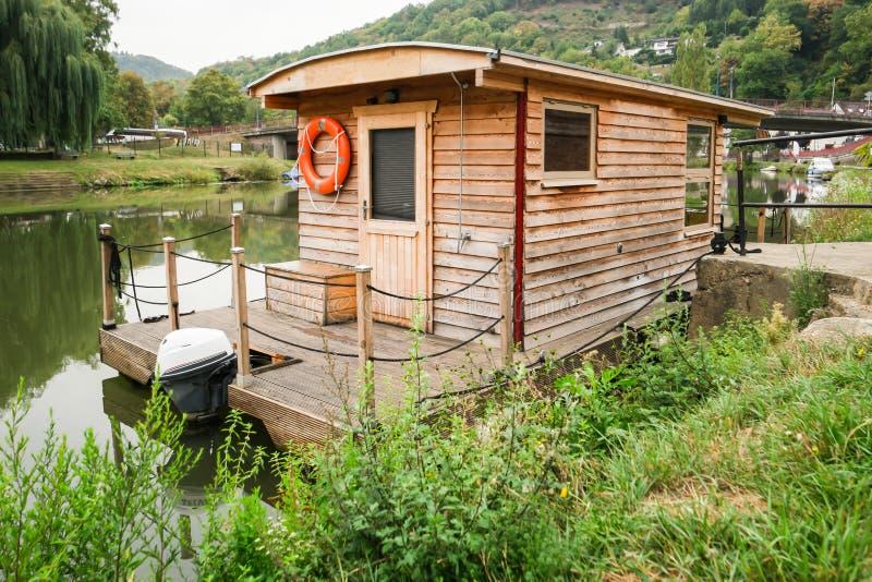 Houten Woonboot stock foto