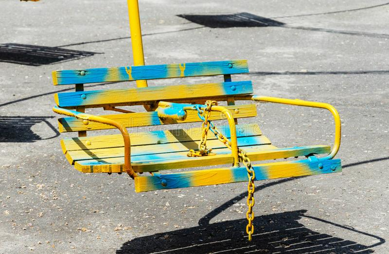 Houten zetels van een carrousel royalty-vrije stock afbeelding