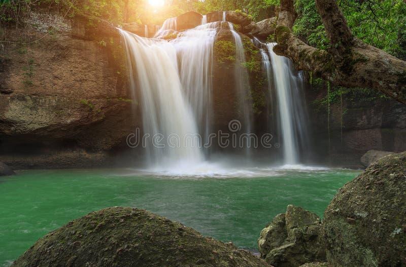 Houw suwat waterval in het nationale park Thailand van khaoyai royalty-vrije stock foto's