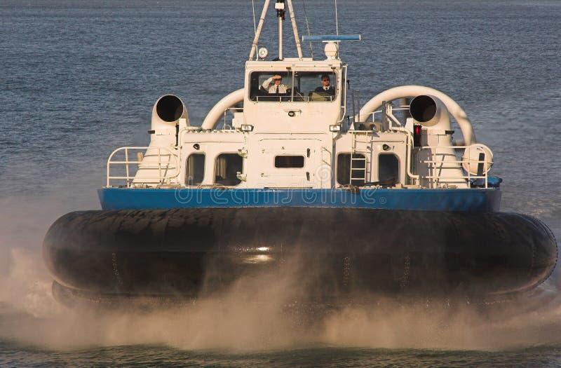 Hovercraft op blauwe overzees royalty-vrije stock afbeelding