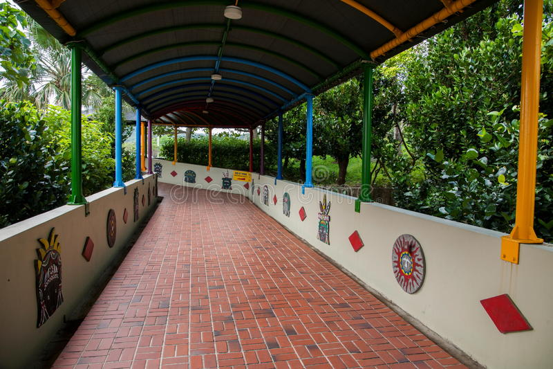 Howard Beach Resort Hotel en yttre korridor royaltyfria foton