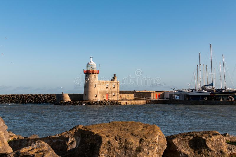 Howith Harbour Lighthouse, Dublin, Ierland royalty-vrije stock foto