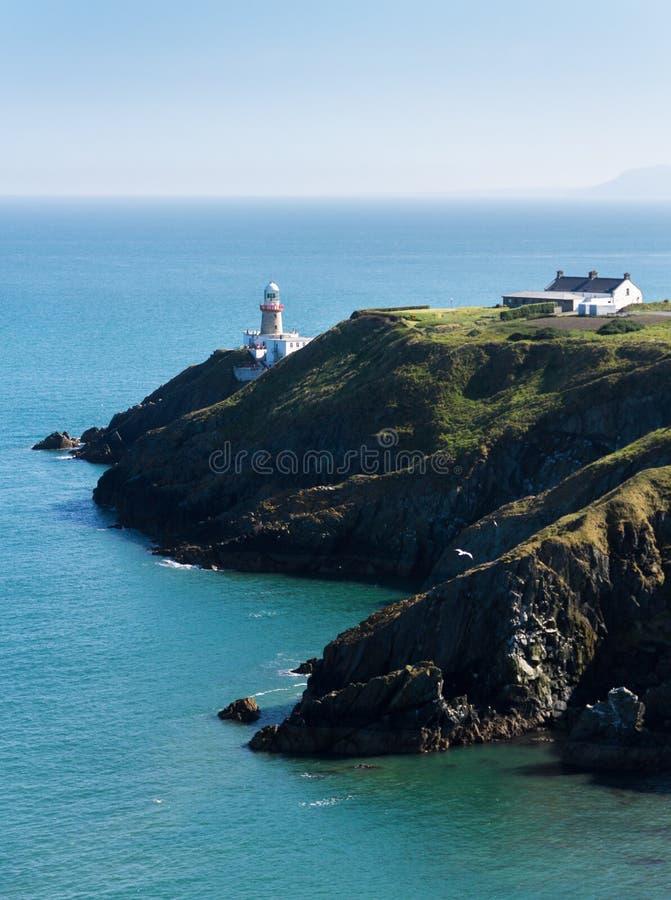 Howth,县在一个晴朗的下午的芬戈郡,爱尔兰- Baily灯塔 免版税库存图片
