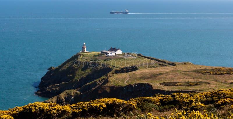 Howth, okręg administracyjny Fingal, Irlandia Sceniczny widok Baily latarnia morska przy Howth zdjęcia stock