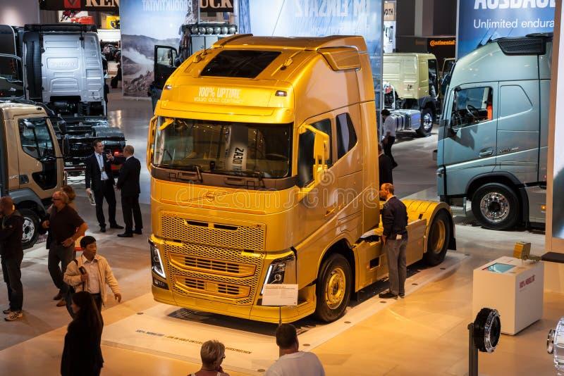 HP VOLVO FH16 750 перевозит на грузовиках стоковые фотографии rf