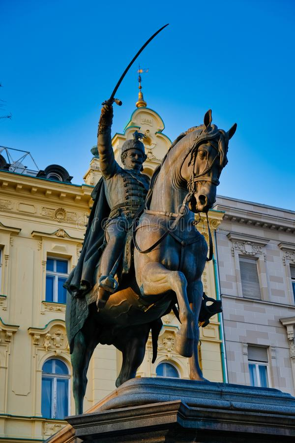 Hrabiowska Josip JelaÄ  iÄ ‡ Von buÅ ¾ im statua, Zagreb, Chorwacja zdjęcia stock