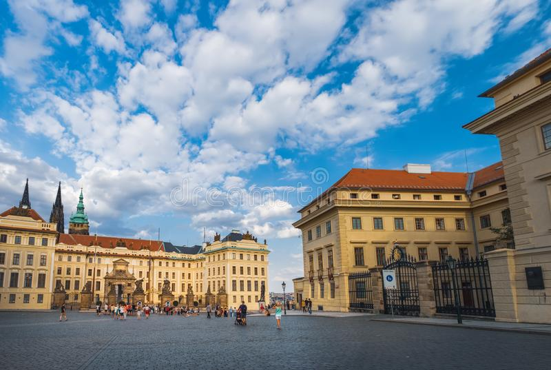 Hradcany广场在布拉格,捷克 免版税库存图片