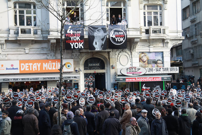 Download Hrant Memorial In Istanbul A Show Of Diversit Editorial Photography - Image: 17908692