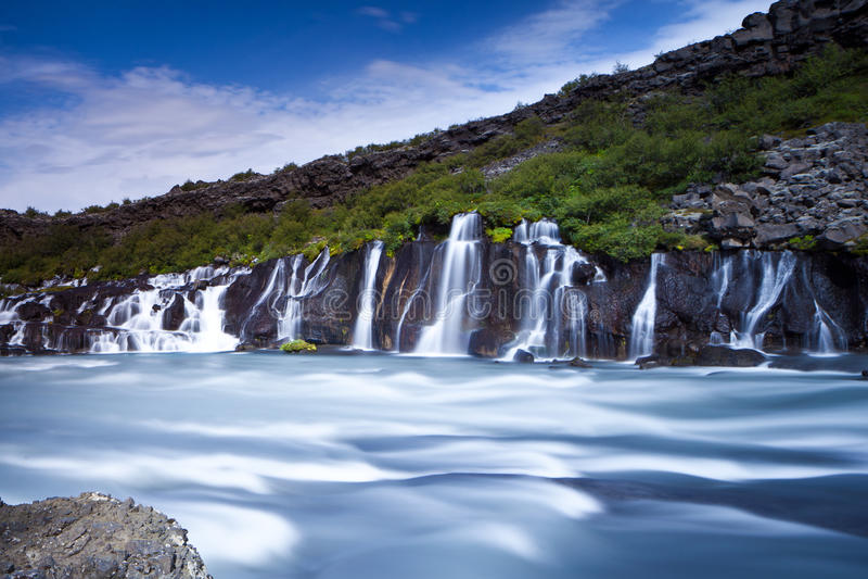 hraunfossar瀑布 免版税库存图片