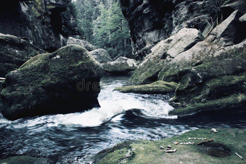 Hrensko - sentiers de randonnée photo libre de droits