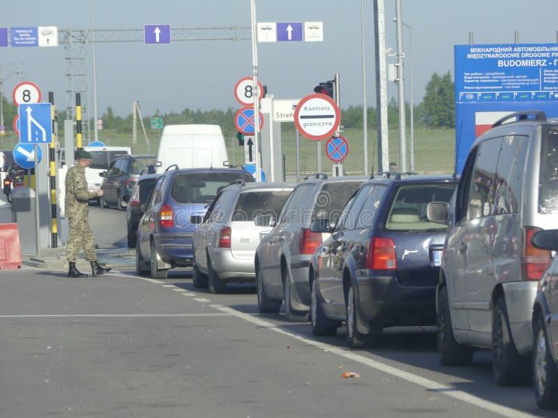 Hrushiv-Budomezh testpunkt på gränsen med Ukraina och Polan fotografering för bildbyråer