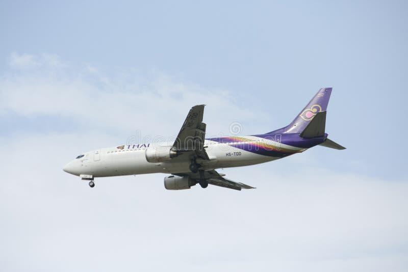 HS-TDD Boeing 737-400 von Thaiairway lizenzfreie stockfotografie