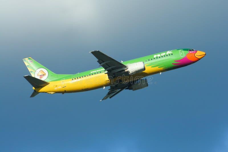 Hs-TDE Boeing 737-400 van NokAir-luchtvaartlijn royalty-vrije stock foto's