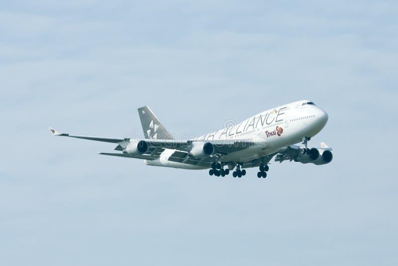 Hs-TGW Boeing 747-400 van Thaiairway (Verf ster-Alliance) royalty-vrije stock foto