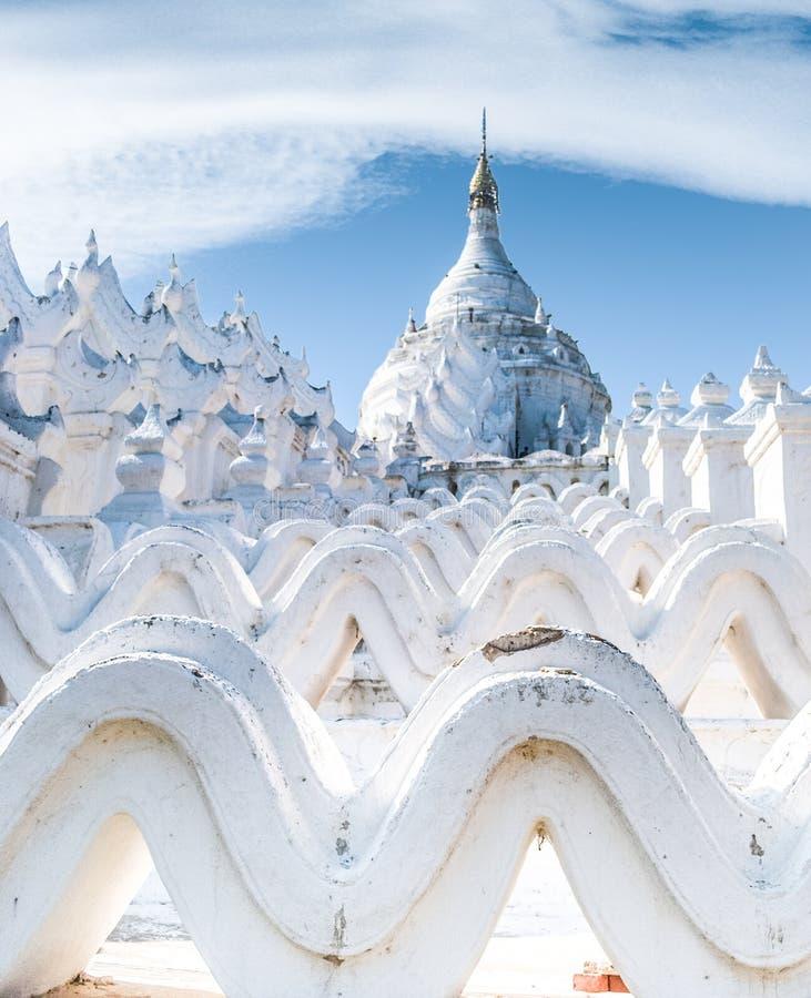 Hsinbyume塔Mingun缅甸 免版税图库摄影