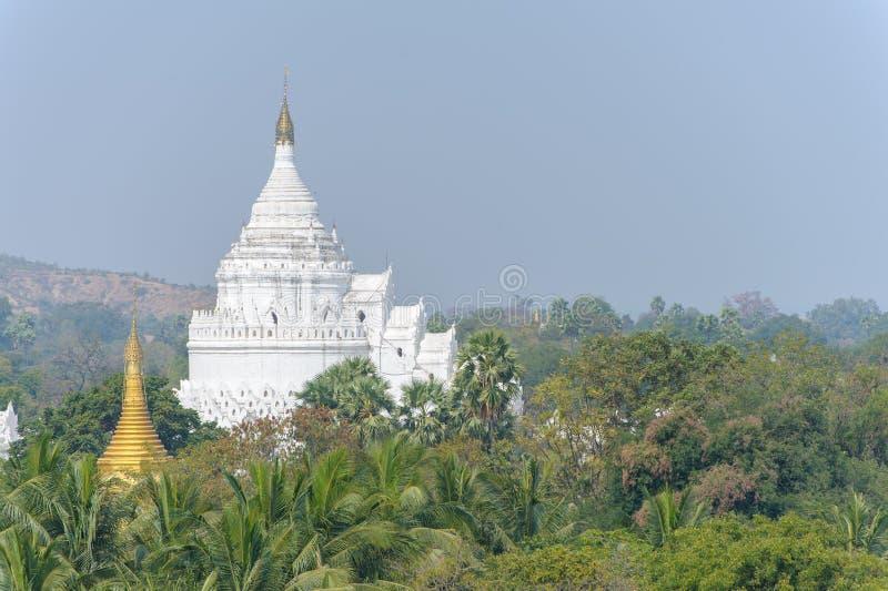 Hsinbyume或Myatheindan塔在Mingun 免版税图库摄影