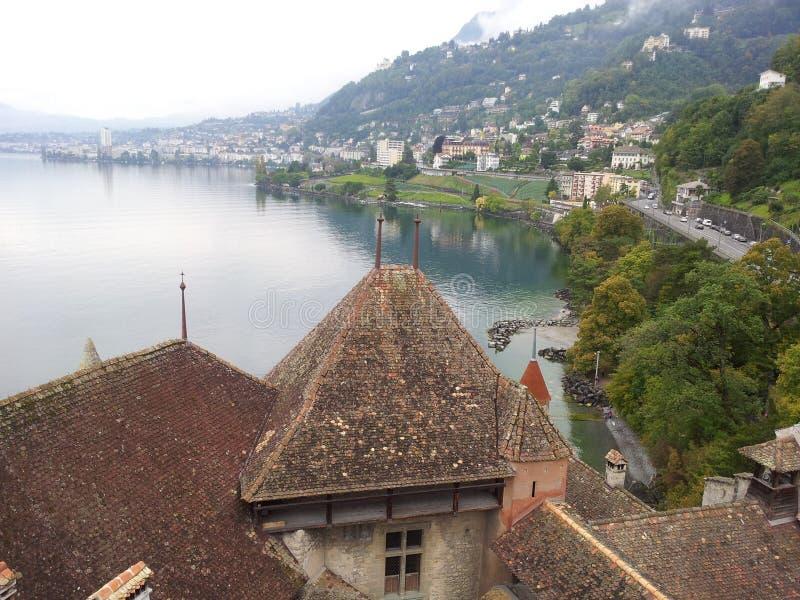 Hstoc sikt från chillonslott på sjön geneva Schweiz royaltyfri fotografi