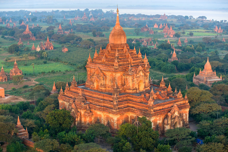 Htilominlo Phto at sunrise, Bagan, Myanamr. royalty free stock photos