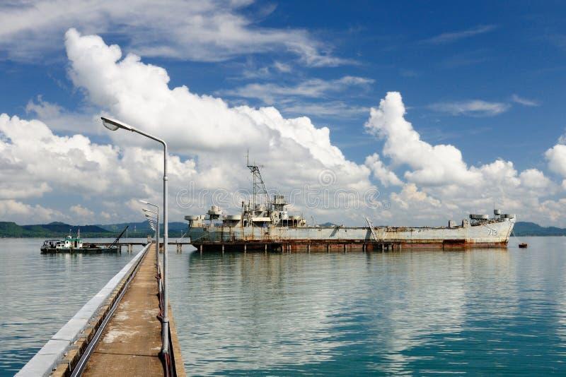 712 HTMS Chang USS ex Lincoln County LST-898, île de Koh Chang, Thaïlande photographie stock libre de droits