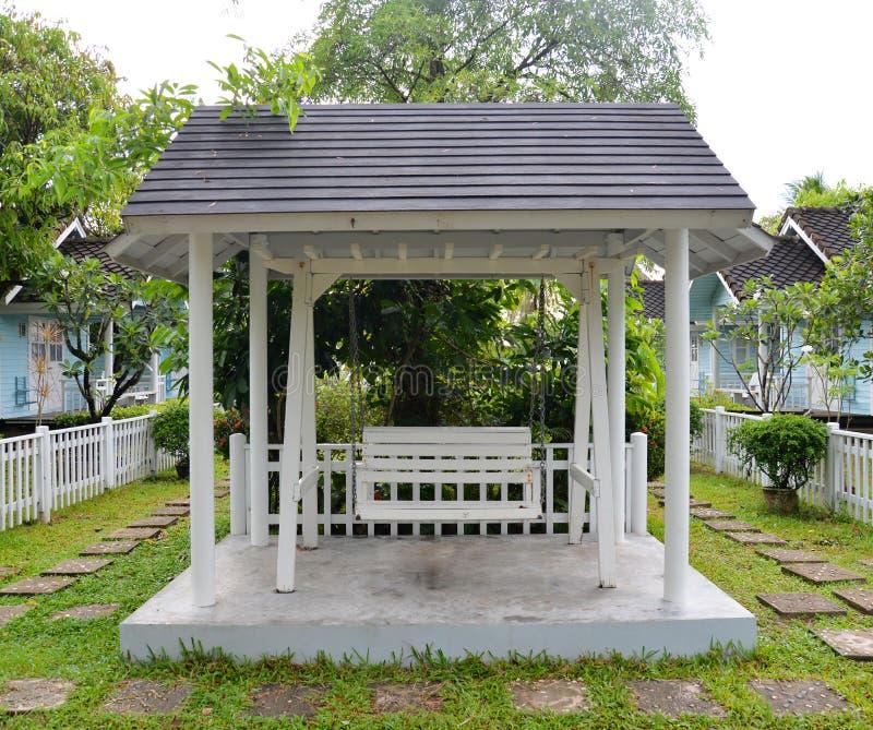 Huśtawkowy dom zdjęcie stock