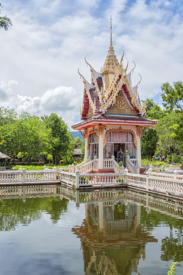Hua Hin Catfish Temple royaltyfria bilder
