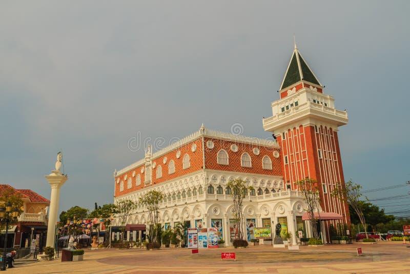 Hua Hin, Tailândia - 16 de março de 2017: Construção bonita do estilo de Veneza fotos de stock royalty free