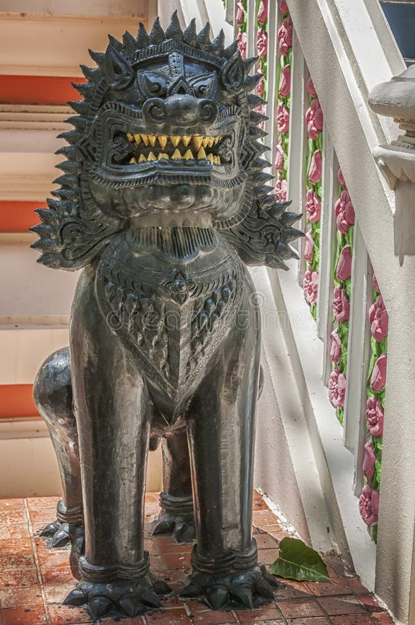 Hua Hin Temple Lion Statue royaltyfri foto