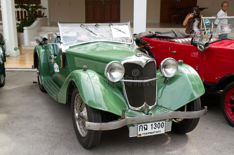 Download Hua Hin Vintage Car Parade 2011 Editorial Image - Image: 24782825