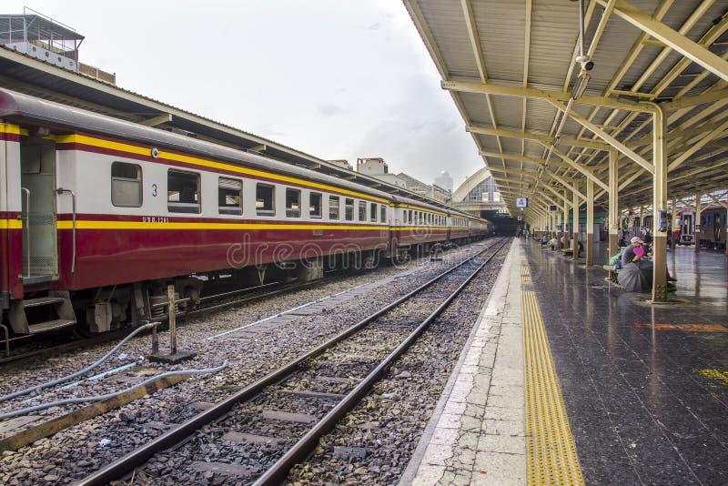 Hua Lamphong Railway Station - Bangkok, Thailand stock foto's