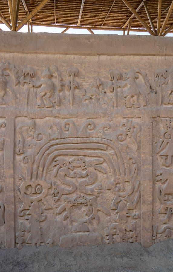 Huaca del Dragão ou Huaca del Arco Íris & x28; Dragon Temple ou arco-íris Temple& x29; perto de Chan Chan - Trujillo, Peru foto de stock royalty free