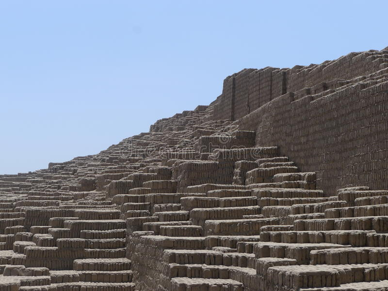 Huaca Pucllana pyramid i Miraflores, Lima arkivbilder