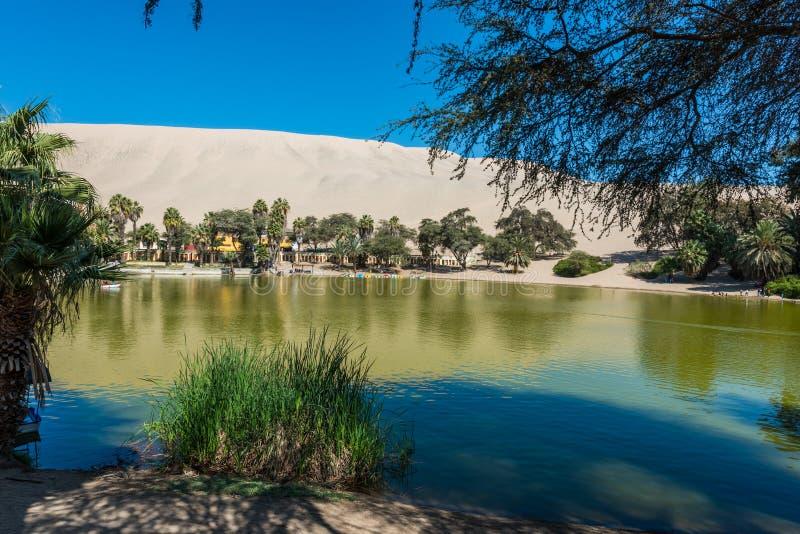 Huacachina laguna w peruvian sunie przy Ica Peru zdjęcia stock
