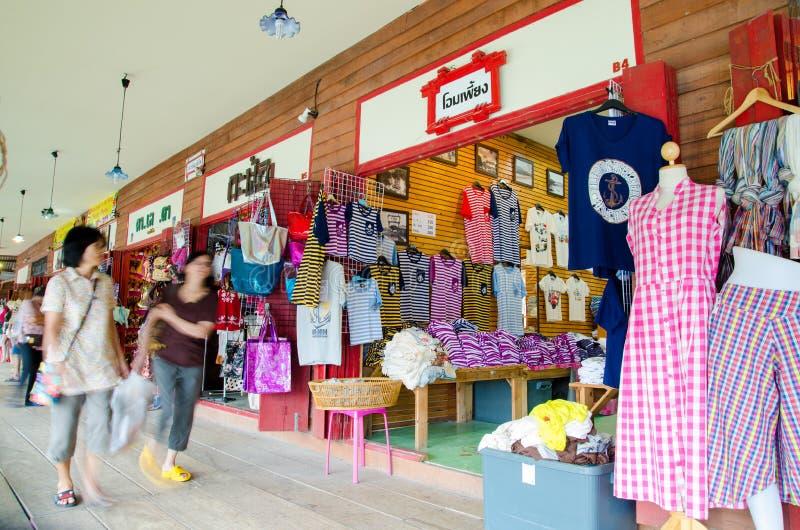 HUAHIN, Таиланд: Магазин рубашки стоковое фото rf