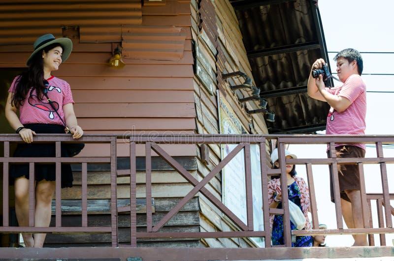 HUAHIN, Таиланд: Человек принимает фото стоковая фотография rf