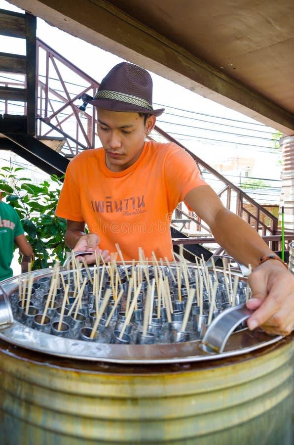 HUAHIN, Thailand: Mensen verkopend Roomijs royalty-vrije stock foto's